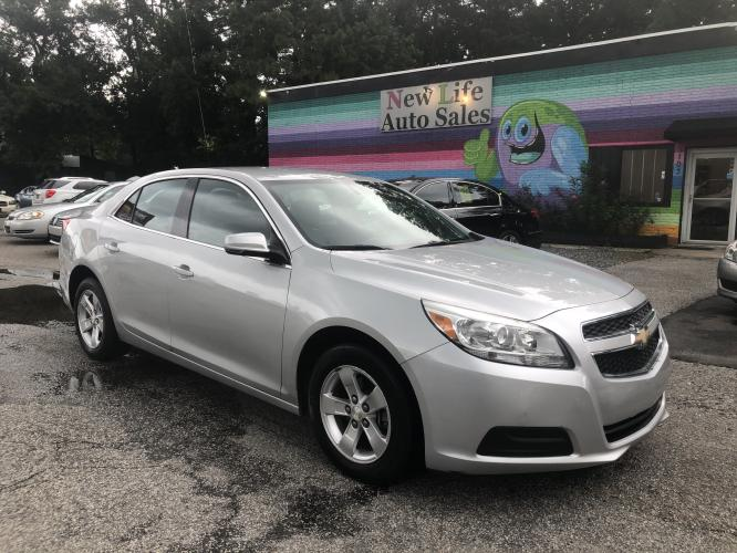 2013 SILVER CHEVROLET MALIBU 1LT (1G11C5SA0DF) with an 2.5L engine, Automatic transmission, located at 5103 Dorchester Rd., Charleston, SC, 29418-5607, (843) 767-1122, 36.245171, -115.228050 - Photo #0