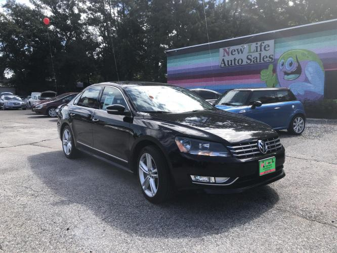 2014 VOLKSWAGEN PASSAT TDI SEL - Great Fuel Economy with Turbo Diesel! One Owner!!
