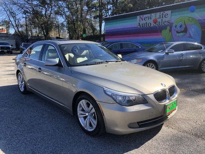 2010 BMW 528i - Great Fuel Economy in Class! Clean CarFax!!