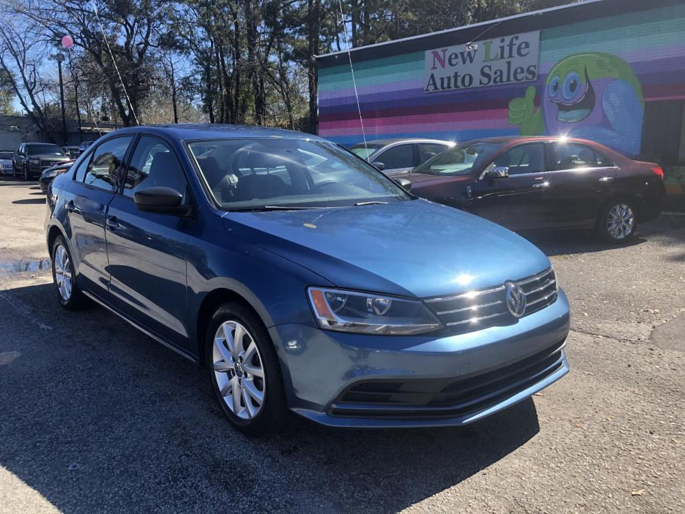 2015 BLUE VOLKSWAGEN JETTA SE (3VWD17AJ1FM) with an 1.8L engine, Automatic transmission, located at 5103 Dorchester Rd., Charleston, SC, 29418-5607, (843) 767-1122, 36.245171, -115.228050 - Photo #0