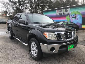 2010 NISSAN FRONTIER CREW CAB SE - Sweet Truck! Local Trade-in! Clean CarFax!!