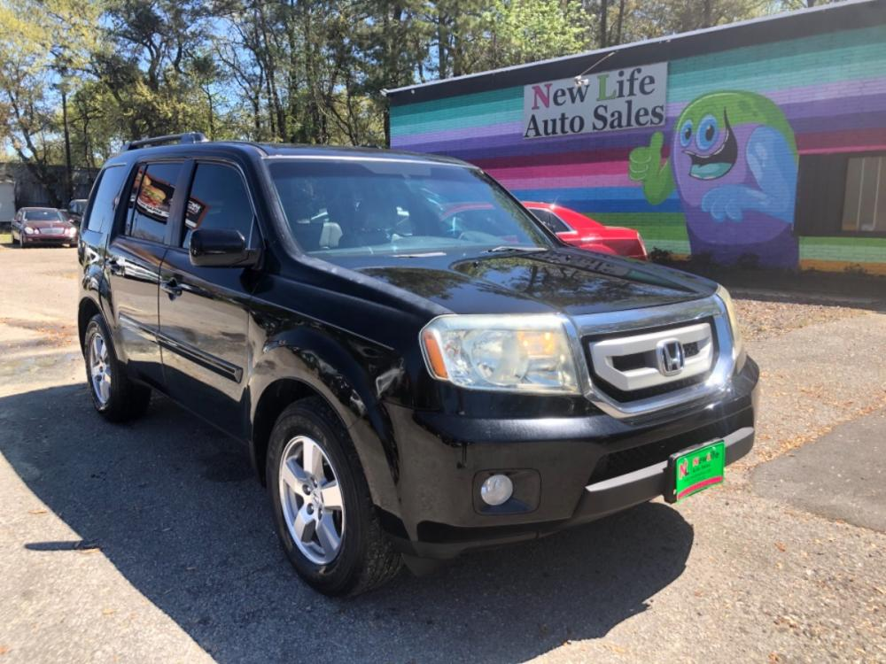 2011 BLACK HONDA PILOT EXL (5FNYF4H58BB) with an 3.5L engine, Automatic transmission, located at 5103 Dorchester Rd., Charleston, SC, 29418-5607, (843) 767-1122, 36.245171, -115.228050 - Photo #0